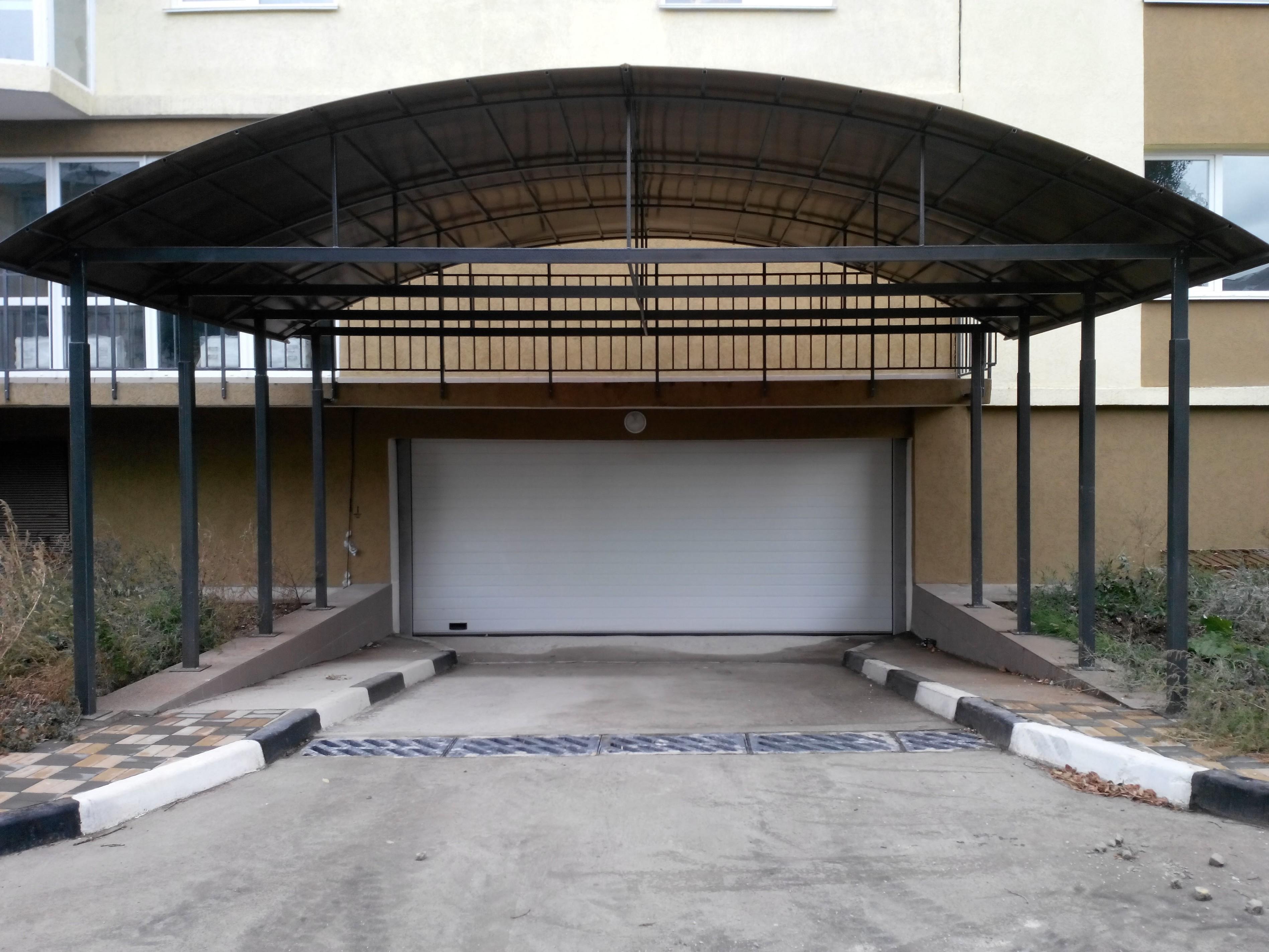 Продаются парко место в подземном паркинге  г. Симферополь пр. Победы 36.