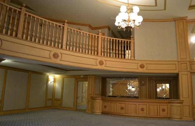 холл первый этаж